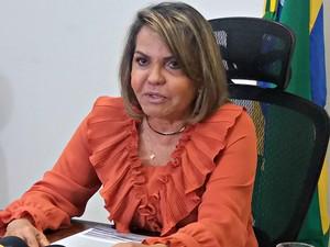 Desembargadora anunciou em coletiva que vai pedir ilegalidade de greve de servidores do TJ-AC (Foto: Iryá Rodrigues/G1)
