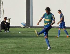 Loco Abreu treino Botafogo (Foto: Fred Huber / Globoesporte.com)