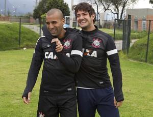 Alexandre Pato e Emerson Sheik (Foto: Daniel Augusto Jr. / Ag. Corinthians)