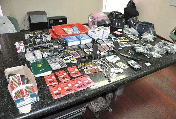 Material apreendido com os suspeitos. (Foto: Divulgação/Polícia Civil)