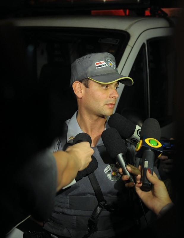 PM é entrevistado no local (Foto: Francisco Cepeda/AgNews)