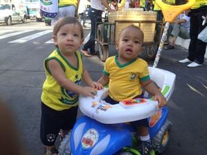 Dupla Lucas Davi e Davi Luís, ambos com um ano (Foto: Gilcilene Araújo /G1)