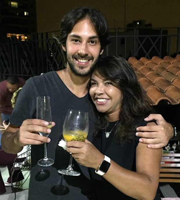 Marcos Saraiva e Monica Sousa, pai e avó de Marcos, quarto bisneto de Mauricio de Sousa (Foto: Reprodução)