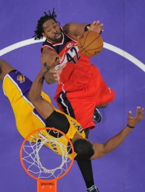 Nenê e Dwight Howard, NBA - AP (Foto: AP)