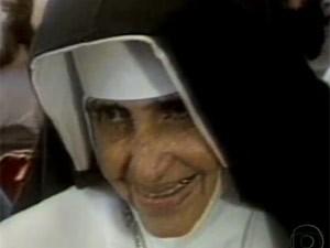 Irmã Dulce nasceu em maio de 1914 e morreu pouco antes de completar 78 anos (Foto: Reprodução/TV Globo)