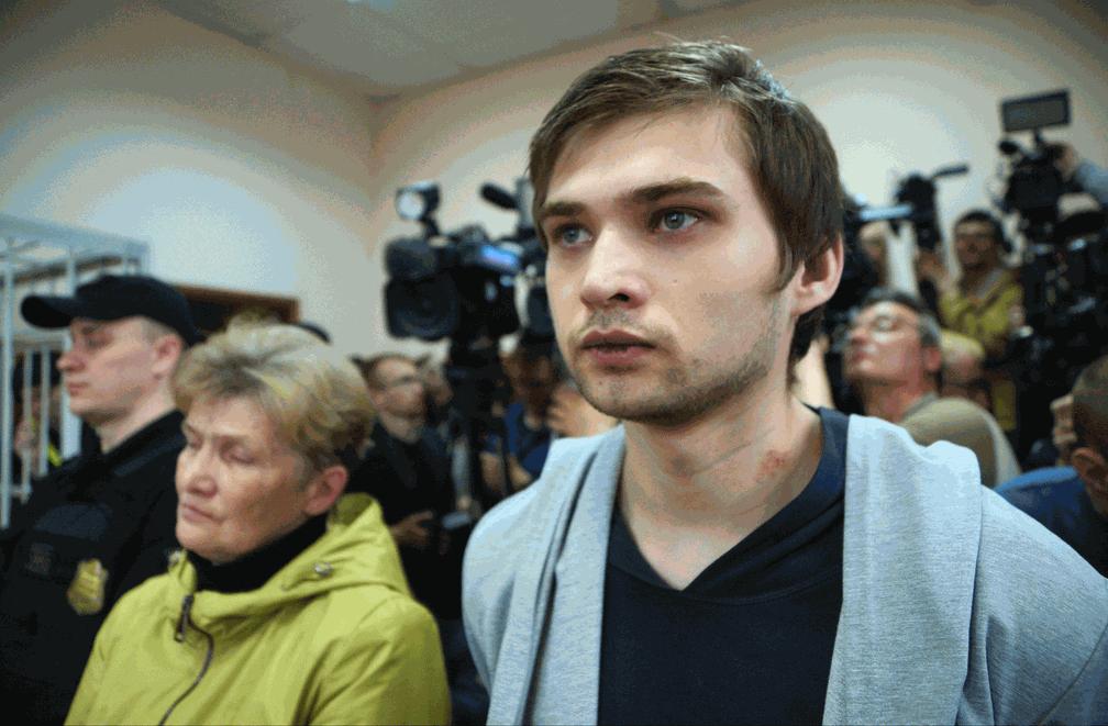 O blogueiro russo Ruslan Sokolovski (Foto: Alexei Bulatov/ Komsomolskaya Pravda via AP)