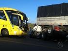 Colisão frontal entre ônibus e carreta deixa feridos em Cedro de São João