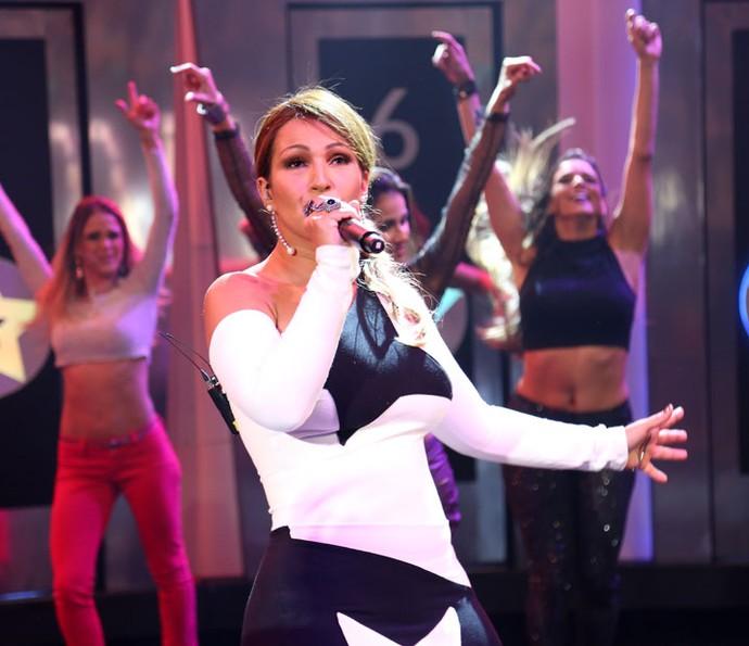 Valesca canta 'Beijinho no Ombro' no Ding Dong (Foto: Carol Caminha/Gshow)