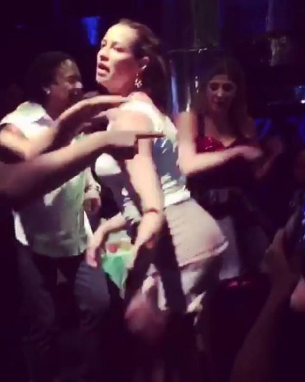 Luana Piovani dançando (Foto: Instagram / Reprodução)