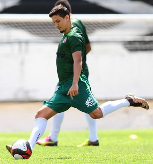 Leo Costa santa Cruz (Foto: Marlon Costa/Pernambuco Press)