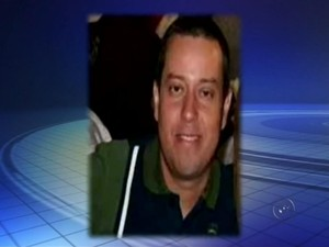 Policial morre após acidente causado por homem que esfaqueou namorada (Foto: Reprodução/TV TEM)