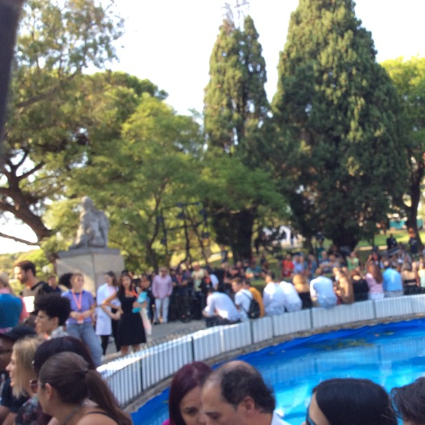 The pool show location in the grounds at Pavilhao Carlos Lopes, the new space for ModaLisboa. (Foto: SUZY MENKES)
