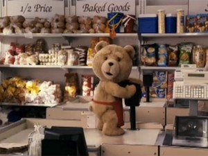 Cena do filme 'Ted', que estreia no Brasil na sexta-feira (21) (Foto: Reprodução)