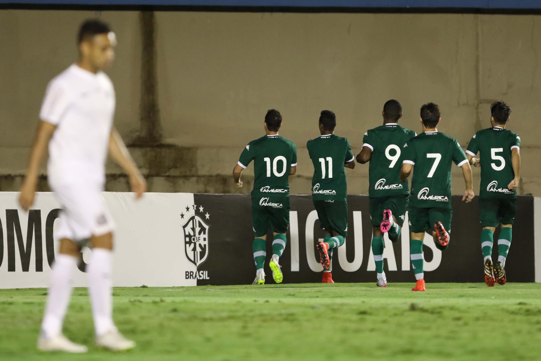 Derrota para o Goiás causou a demissão de Marcelo Fernandes e a volta de  Dorival Jr. (Foto  Reprodução Sportv) 9bb316c368d