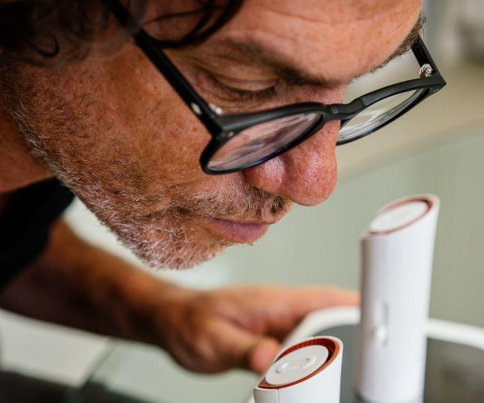 oPhone: Esse aparelho vem com 32 aromas primitivos (Foto: Divulgação) (Foto: oPhone: Esse aparelho vem com 32 aromas primitivos (Foto: Divulgação))