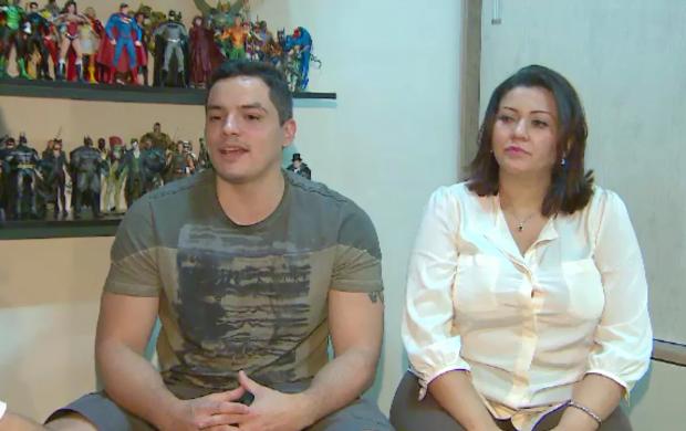 Casal escolheu o nome 'Marvel' para o primeiro filho (Foto: Amazônia Revista no AP)