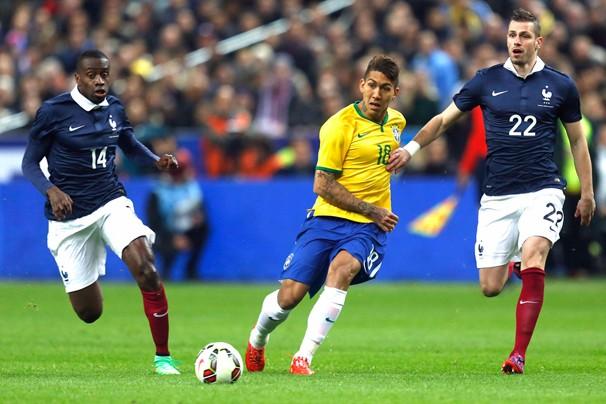 Firmono durante amistoso da Seleção Brasileira contra a França, no dia 26, em Paris (Foto: Mowa Press)