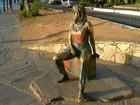 Estátua de Brigitte Bardot, ícone turístico de Búzios, RJ, é pichada