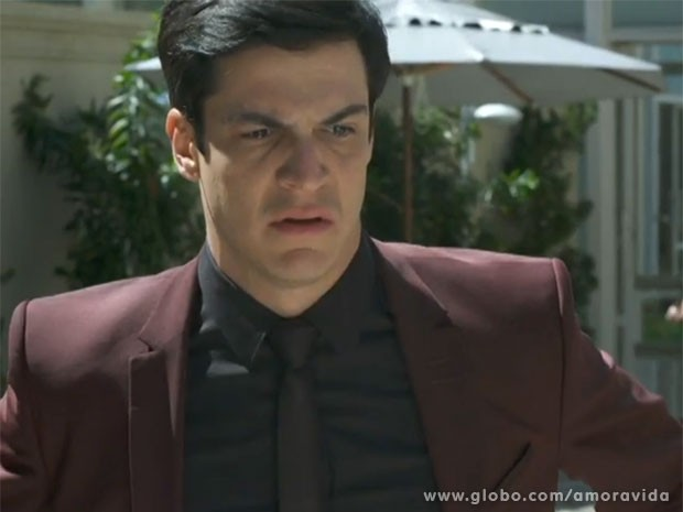 Félix tem César como um dos principais inimigos (Foto: Amor à Vida/TV Globo)
