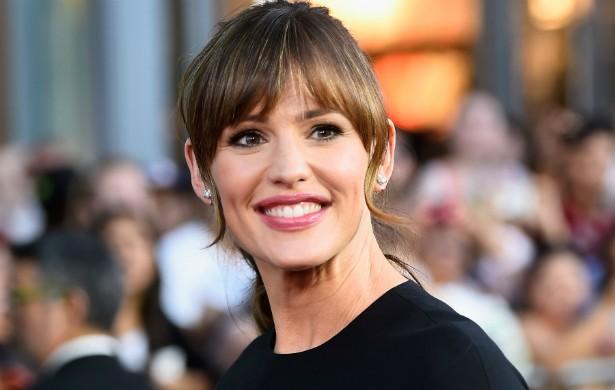 """Já a esposa de Ben Affleck, a atriz Jennifer Garner, de 42 anos, diz: """"Nunca se case com um homem achando que você pode mudá-lo. Acho que isso começa já no seu primeiro encontro, na sétima série. Mulheres gostam de arrumar, mas não devem arrumar [a personalidade do parceiro]. Não arrume"""". (Foto: Getty Images)"""