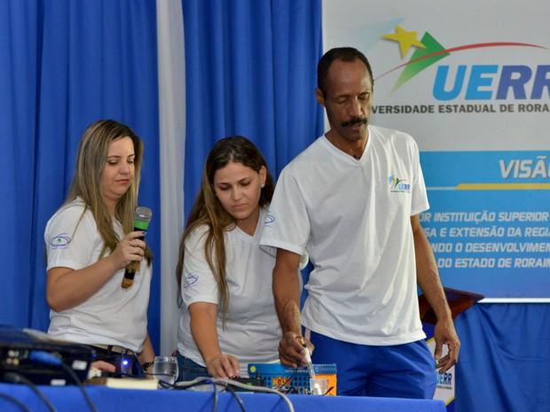 Termômetro tem baixo custo e entrará em fase de patente (Foto: Fernando Oliveira/ UERR)