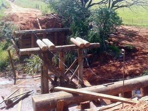 Ponte da Radar foi denificada após as fortes chuvas de maço (Foto: Prefeitura de Presidente Venceslau / Divulgação)