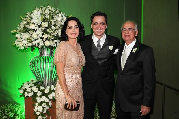 Felipe Abreu com os pais (Foto: Manuela Scarpa/Photorionews)