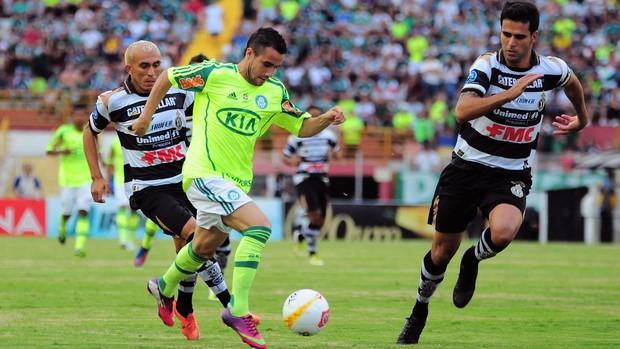 Maikon Leite na partida do Palmeiras contra o XV (Foto: Ag. Estado)