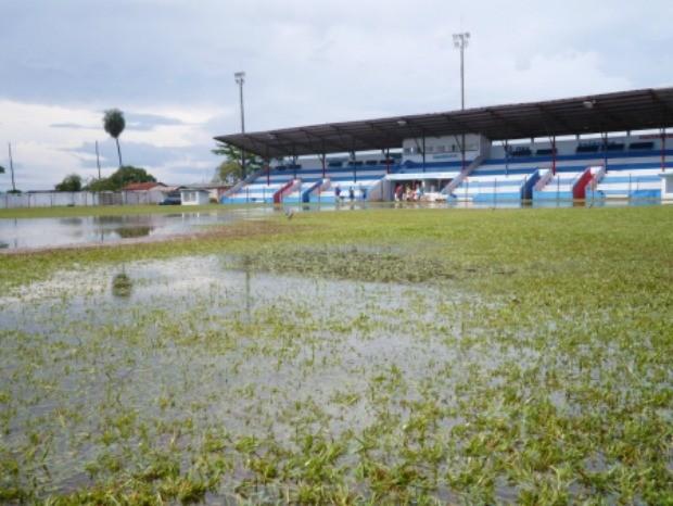 Estádio Noroeste Aquidauana alagado Aquidauanense (Foto: Reprodução/Difusora AM 1340)