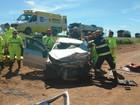 Acidente entre dois carros deixa nove pessoas feridas na BR-040, em Goiás