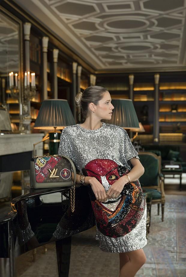 A biblioteca do discreto hotel La Réserve é um dos endereços favoritos da Paris de Helena Bordon (Foto: Thibé)
