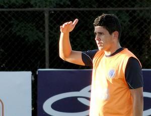 Diego Renan no treino do Cruzeiro (Foto: Tarciso Neto / Globoesporte.com)