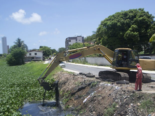 Câmeras vão flagrar quem joga lixo nos canais de Olinda (Foto: Divulgação / Prefeitura de Olinda)