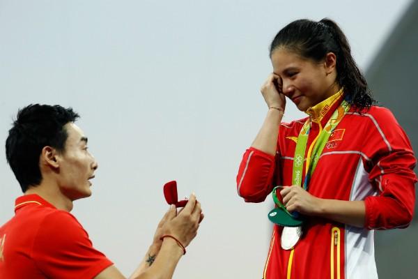 Atleta chinesa He Zi, dos saltos ornamentais, foi pedida em casamento nos Jogos Olímpicos do Rio (Foto: Getty Images)