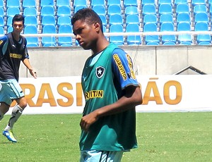 Vitinho no treino do Botafogo (Foto: Thales Soares / Globoesporte.com)