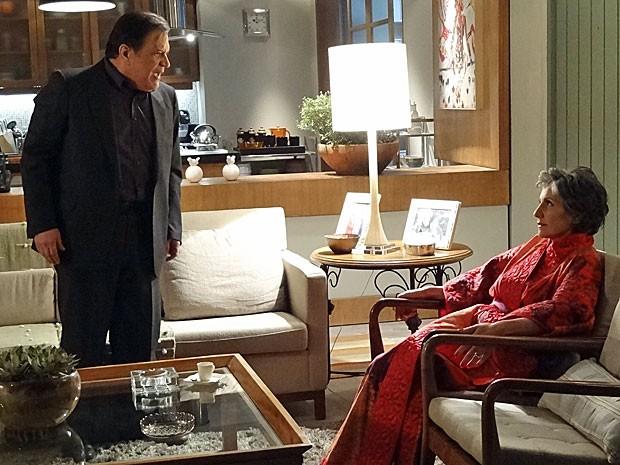 Dimas deduz todo o plano de Melissa para ter a fortuna de Rodrigo (Foto: Amor Eterno Amor/TV Globo)