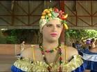 Homens 'viram' mulheres e chamam atenção em Carnaval no Tocantins