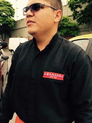 Isaías de Oliveira Ferreira, funcionário de um restaurante do Nova América (Foto: Henrique Coelho/G1)