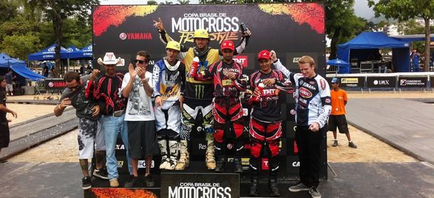 pódio motocross (Foto: Leandro Garrido/Globoesporte.com)