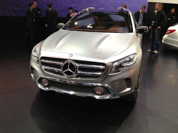 Mercedes-Benz GLA inova com faróis a laser (Foto: Priscila Dal Poggetto/G1)