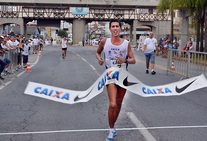 Caio Bonfim leva o tetra da Copa Brasil de Marcha (Foto: Eraldo Schnaider/CBAt)