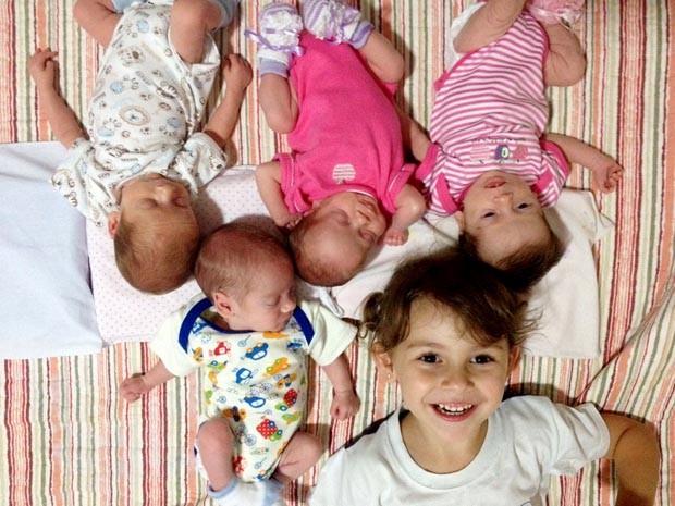 Vivinne Petrin é mãe de três meninas e dois meninos (Foto: Vivianne Petrin/Arquivo pessoal)