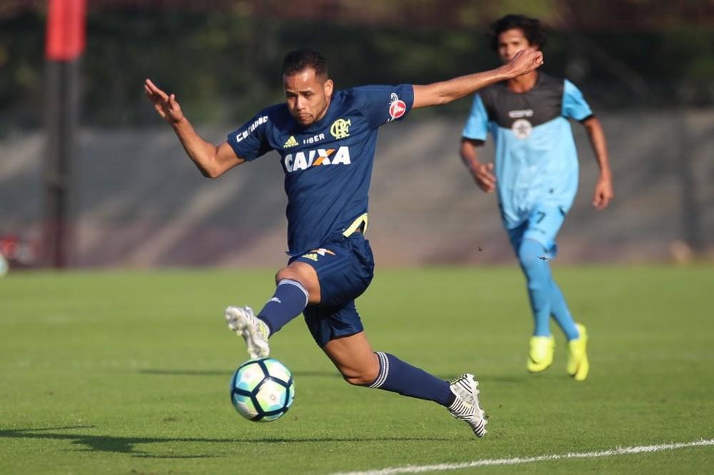 Bolaños, Grohe e Pedro Rocha desfalcam o Grêmio contra o Flamengo