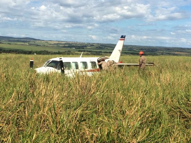 Resgate em avião com Angélica, Luciano Huck, filhos, babás, piloto e copiloto em MS (Foto: Alysson Maruyama/TV Morena)