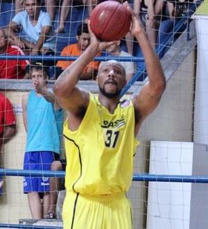 Márcio Cipriano teve papel importante na conquista da segunda vitória da LSB no NBB (Foto: Wladimir Alves/LSB)