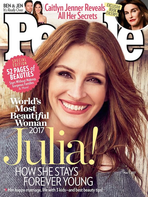 A capa da revista People anunciando a eleição de Julia Roberts como a Mulher Mais Bonita do Mundo de 2017 (Foto: Reprodução)