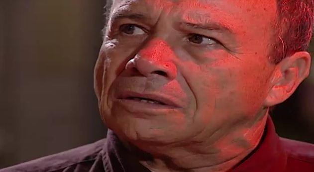 Bruno conta a Dino que no foi indenizado pela morte de Helosa (Foto: Reproduo/viva)