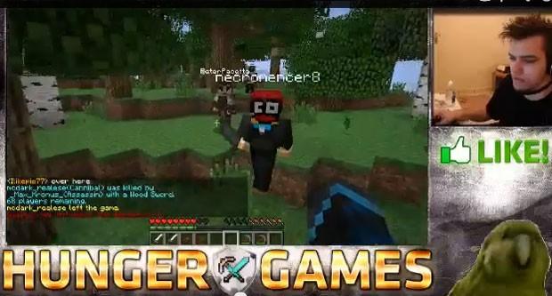 Modos de combate de 'Minecraft' baseados em 'Jogos Vorazes' faz muito sucesso no game atualmente no canal de Marques (Foto: Reprodução)