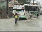 Defesa Civil do Recife recomenda saída imediata de áreas de risco