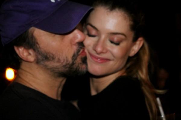 Alinne Moraes comemora aniversário do marido em festa com Gaultier